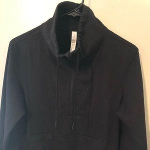 Black zipper pullover.